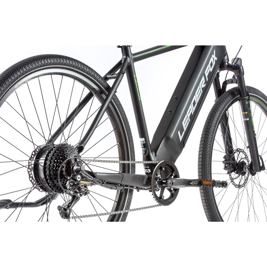 törekszik arra, hybrid kerékpár nő)